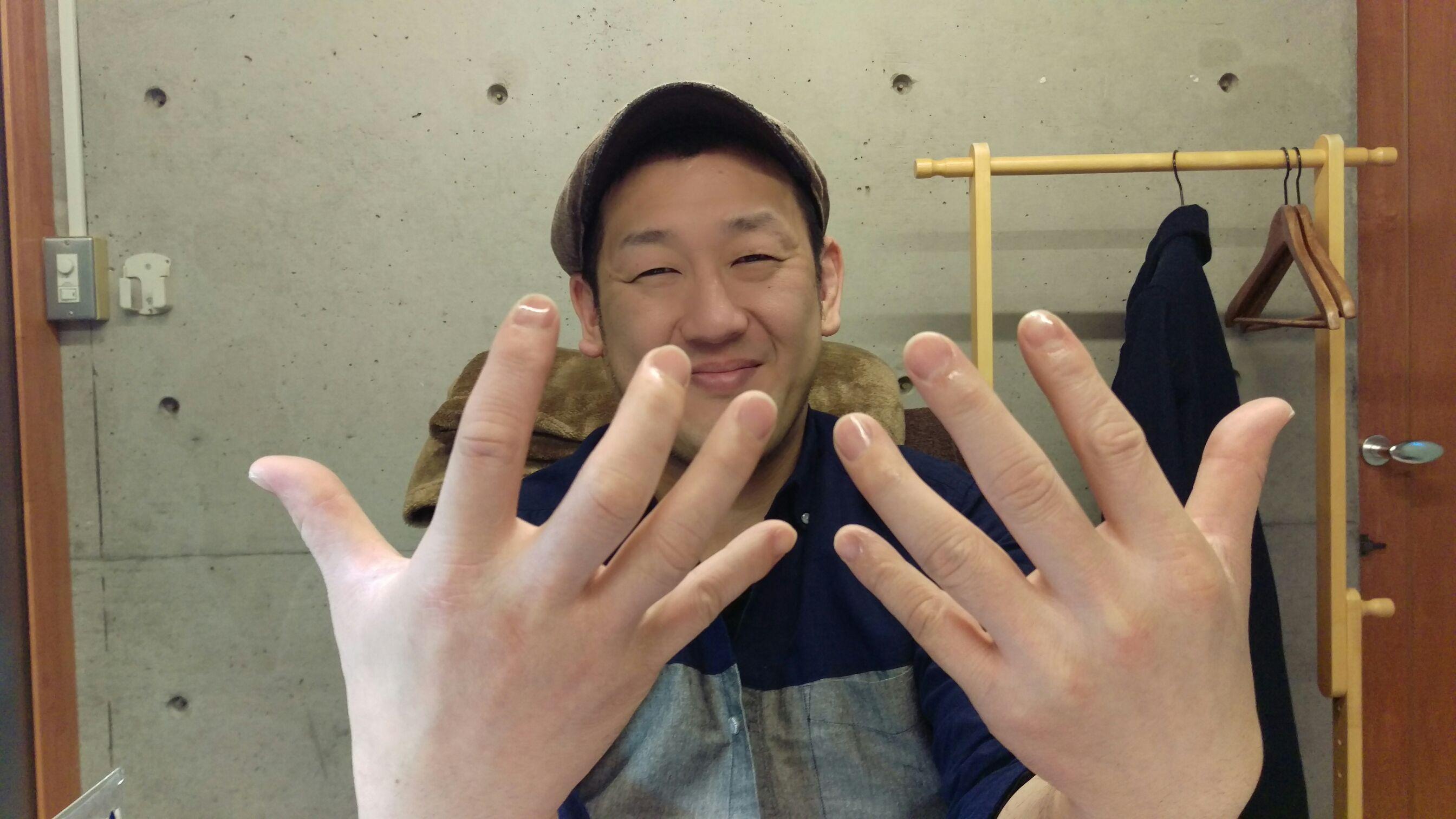 爪の綺麗な